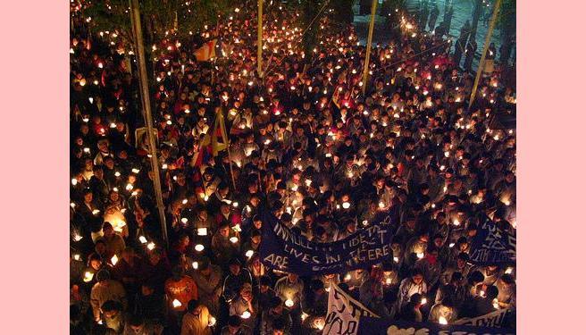 Uma vela pelo Tibete