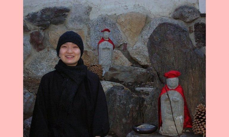 Ordenação monástica feminina no budismo