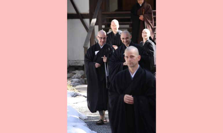 O budismo crê em reencarnação?