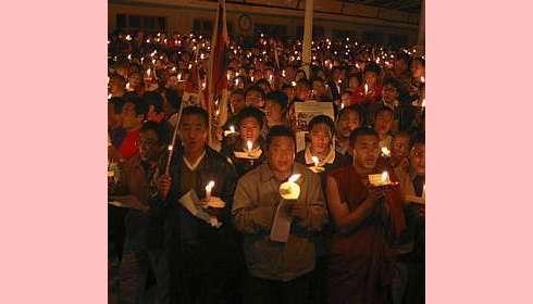 E aqui os verdadeiros budistas mostram sua face