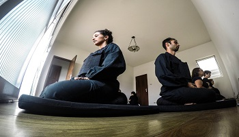A postura correta do zazen | Monge Genshô