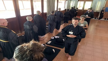 O dedo do budismo | Monge Genshô